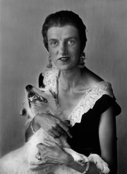 PeggyGuggenheimFrance1926.jpg